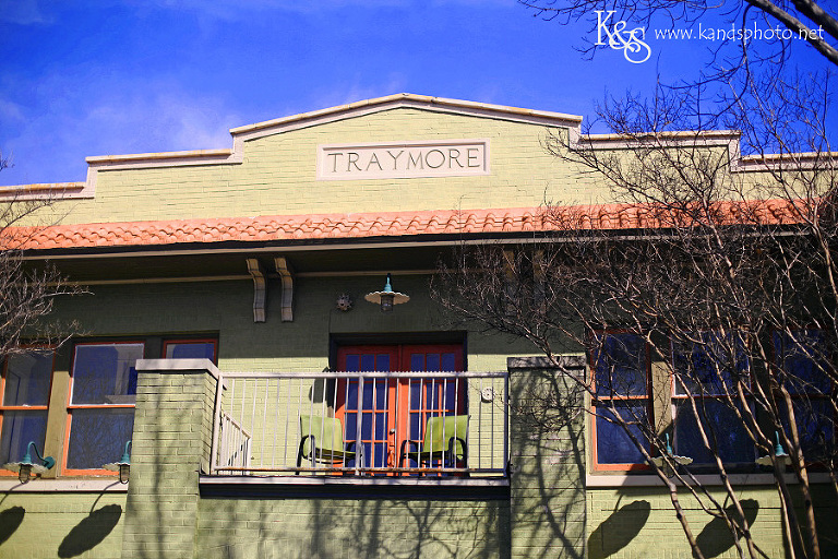 K & S Photography has an office in Dallas to meet wedding clients at